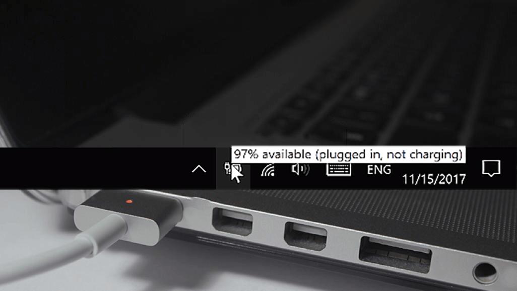 Beschikbaar (aan netstroom, batterij word niet opgeladen) 5 tips en fixes